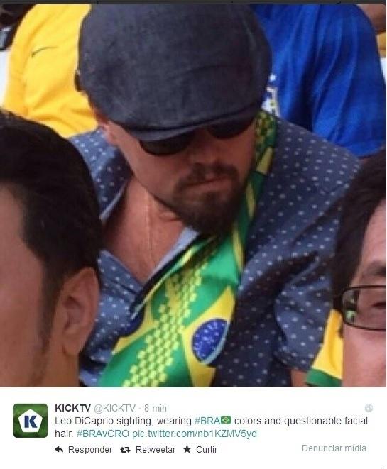 Ator Leonardo di Caprio usa bandeira do Brasil no jogo de abertura da Copa do Mundo. A imagem foi registrada pela jornalista Alecsandra Zapparoli, diretora da redação da Veja SP