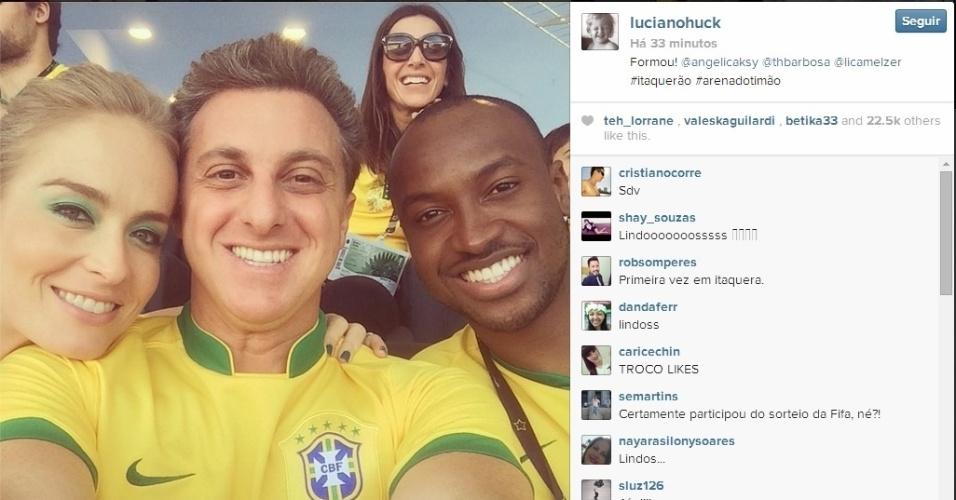Luciano Huck, Angélica e Thiaguinho marcam presença na abertura da Copa, no Itaquerão