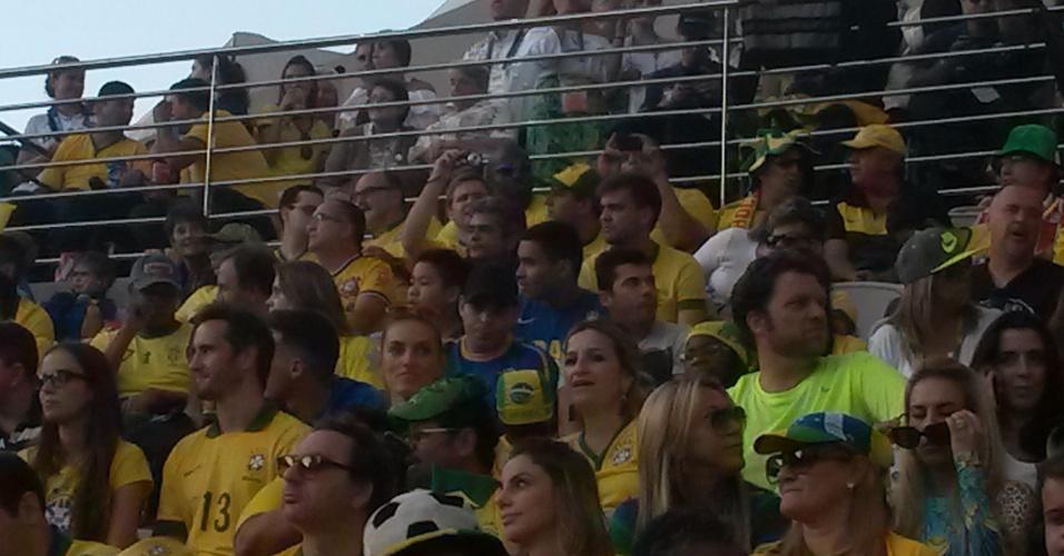 Técnico do Flamengo, Ney Franco marca presença nas arquibancadas do Itaquerão na Abertura da Copa