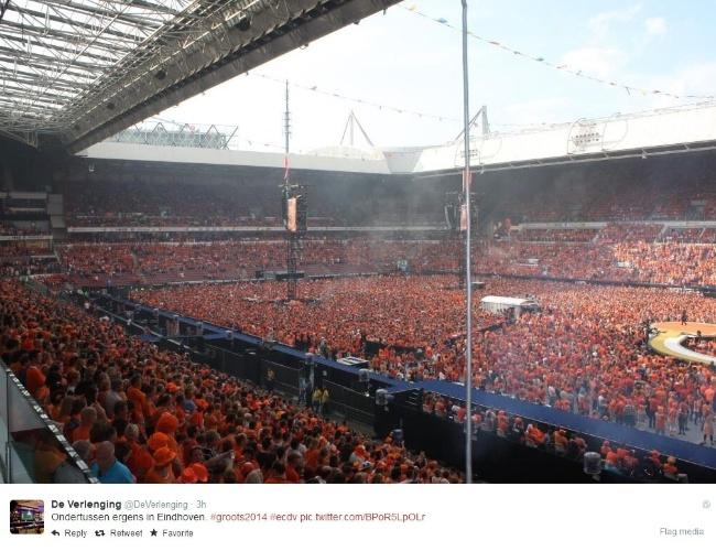 13.jun.2014 - Torcedores da Holanda lotal estádio do PSV, em Eidhoven para assistirem ao jogo contra a Espanha