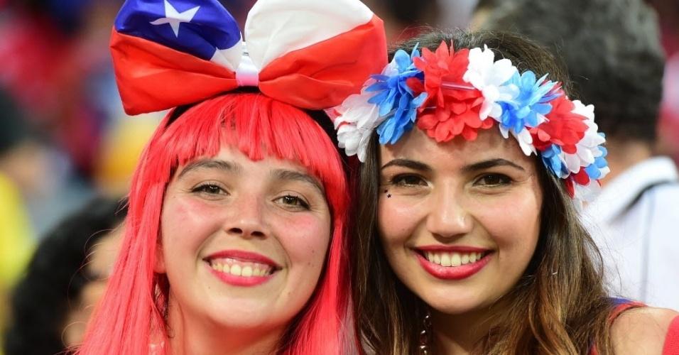 Belas chilenas também acompanham a partida contra a Austrália em Cuiabá