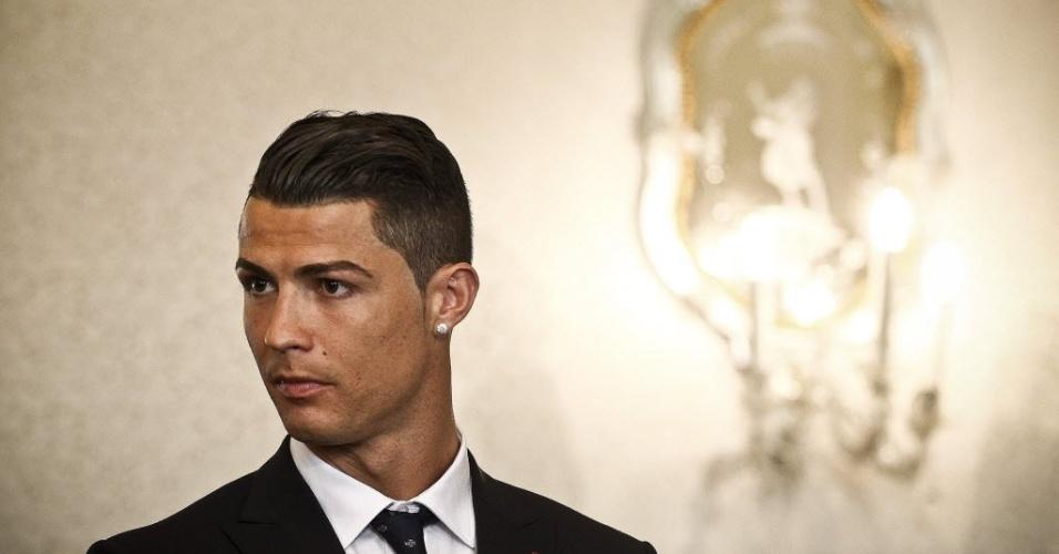 Gatos da Copa: Cristiano Ronaldo de terno