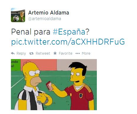 """""""Pênalti para a Espanha?"""" Homer Simpson virou juiz no jogo entre Espanha e Holanda pela Copa."""