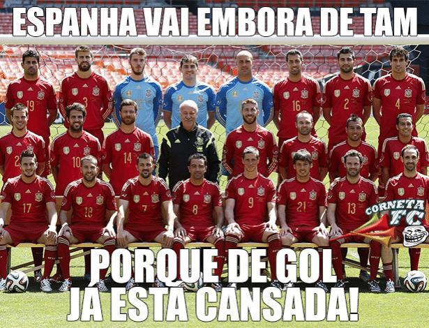 Parece que a seleção espanhola vai precisar escolher melhor a companhia aérea na hora de voltar pra casa.