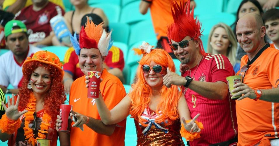 13.jun.2014 - Torcedores da Holanda já dentro da Fonte Nova para a partida de estreia contra a Espanha