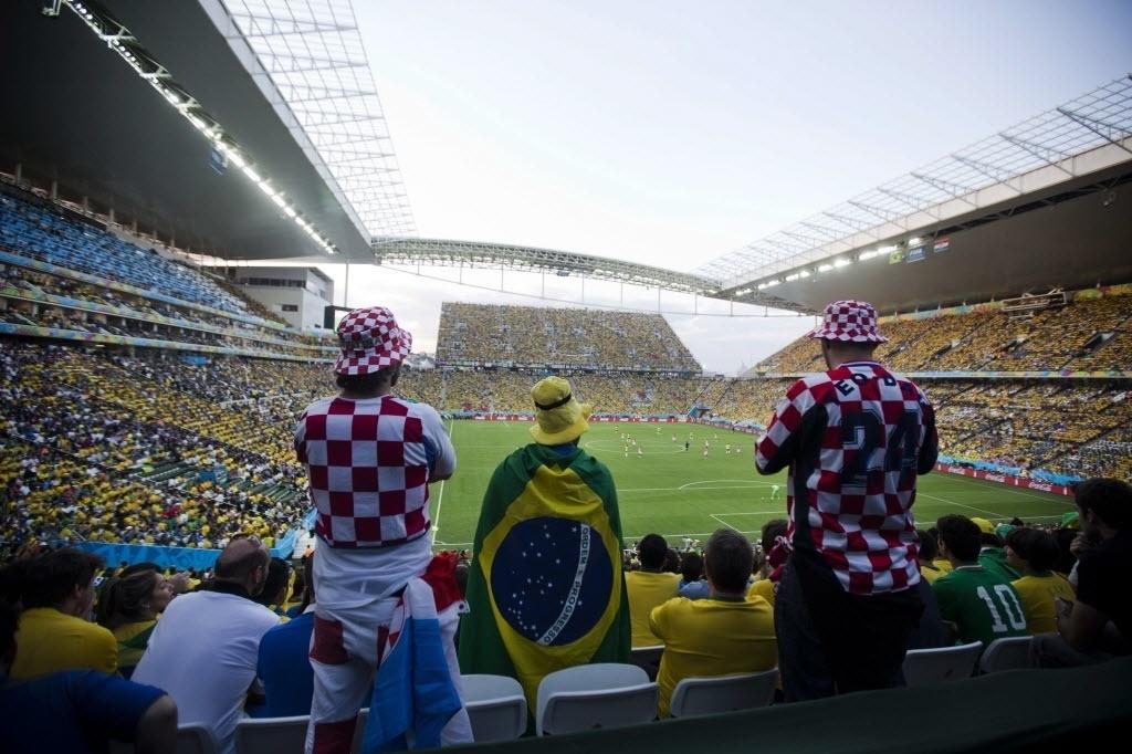 Torcedores de Brasil e Croácia assistem ao jogo de abertura da Copa do Mundo no Itaquerão 12.jun.2014