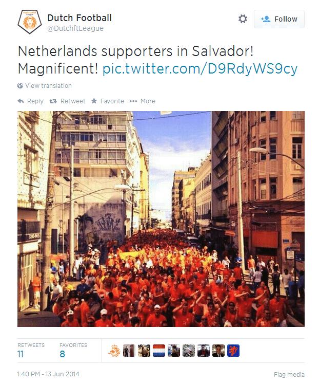 13.jun.2014 - Twitter da seleção holandesa publica foto em que mostra invasão de sua torcida nas ruas de Salvador