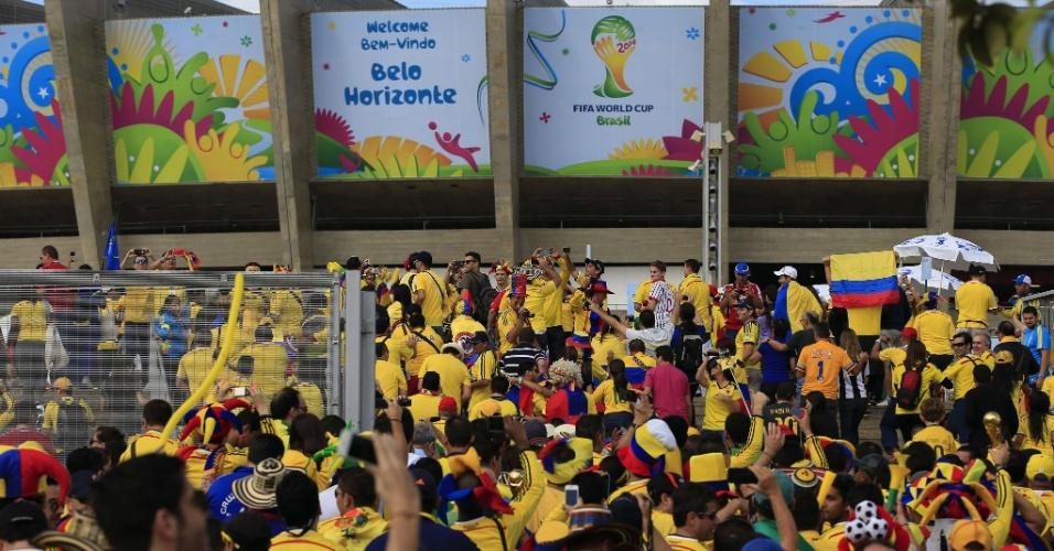 Portões do Mineirão são abertos aos torcedores de Colômbia e Grécia