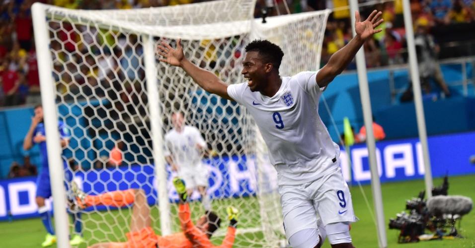 Daniel Sturridge bem que tentou. O jogador inglês empatou o jogo quando a Itália vencia por 1 a 0. Mas a Inglaterra levou o segundo e foi derrotada por 2 a 1