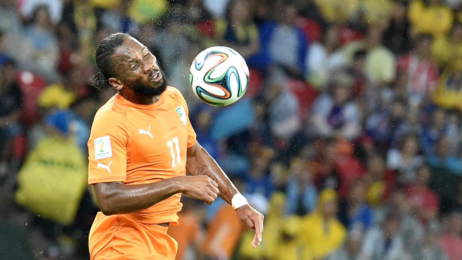 Didier Drogba começou no banco de reservas. O atacante entrou aos 16 minutos do segundo tempo e a Costa do Marfim virou a partida em menos de cinco minutos