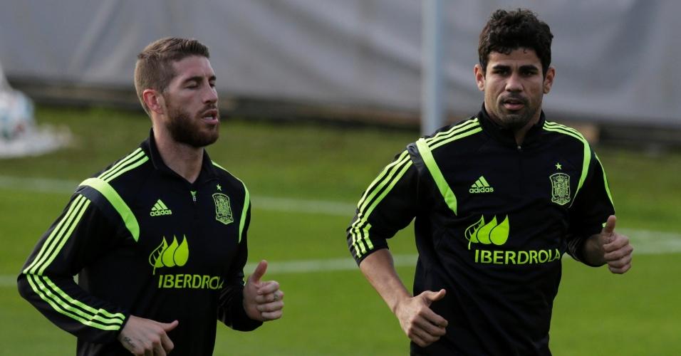 Diego Costa e Sergio Ramos fazem treino físico em treino da seleção da Espanha