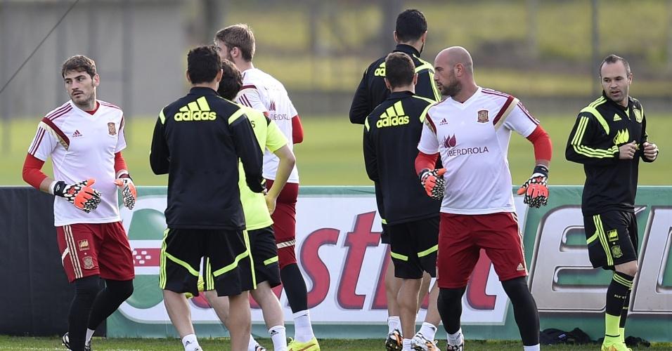 Jogadores da Espanha participam de treino física no CT do Caju, em Curitiba