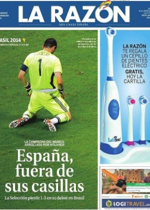 O La Razón lembrou as falhas do goleiro Casillas em dois dos cinco gols da Holanda