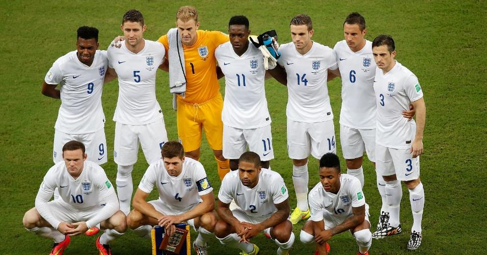 Seleção da Inglaterra posa para foto oficial antes do jogo contra a Itália