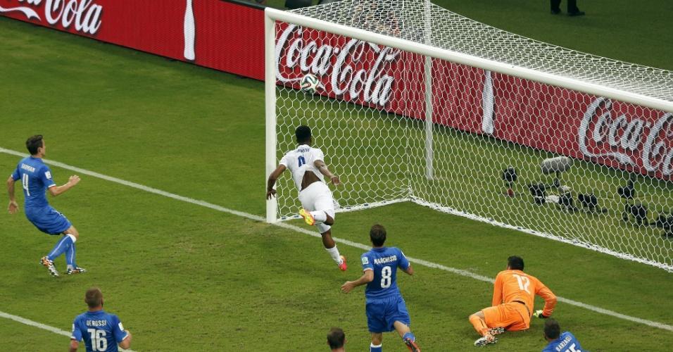 Sturridge não consegue aproveitar oportunidade para marcar a favor da Inglaterra contra a Itália