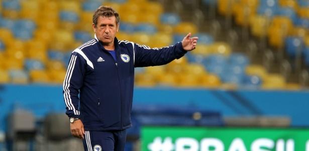 Safet Susic orienta equipe na Copa do Mundo