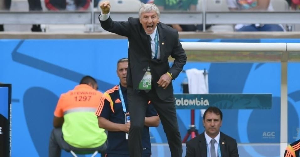 Técnico da Colômbia, Jose Pekerman, não liga para resultado positivo da equipe e esbraveja na beira do gramado