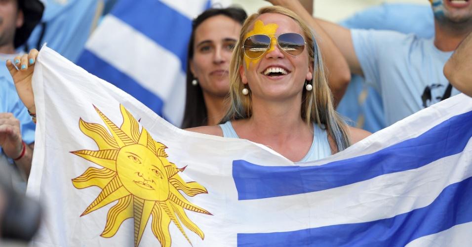 Torcedora uruguaia vai ao Castelão assistir à partida contra a Costa Rica
