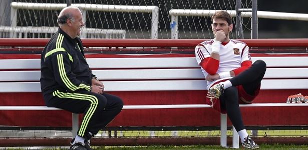 Casillas e Vicente del Bosque tiveram desentendimentos durante a Eurocopa - AFP PHOTO/ LLUIS GENE