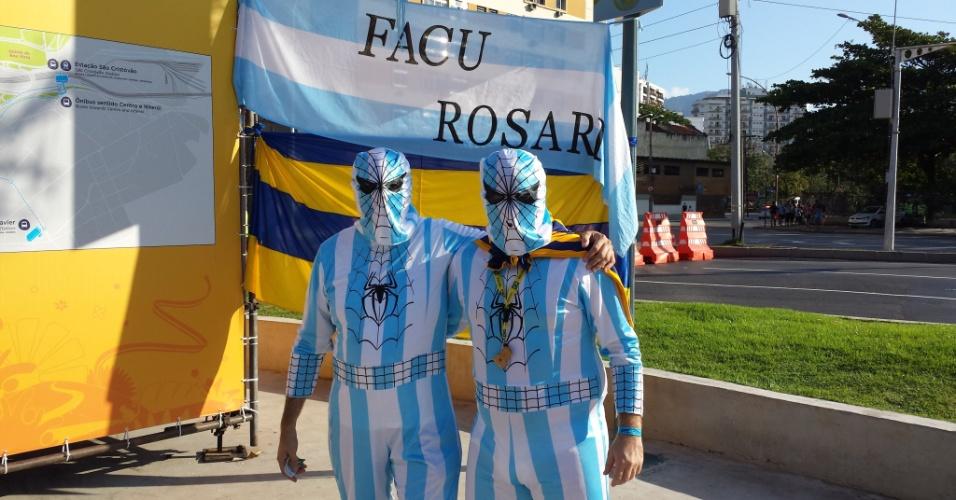 Dupla de 'homens-aranha' de Rosário, na Argentina, chega ao Maracanã para a estreia da seleção nacional na Copa do Mundo