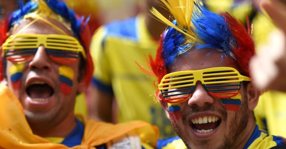 15.jun.2014 - Será que estes torcedores do Equador viram alguma coisa na derrota para a Suíça em Brasília?