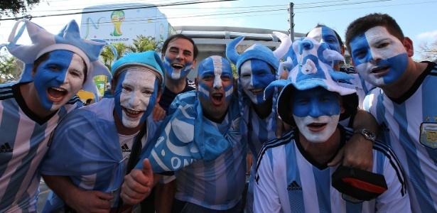 Argentinos estão entre as maiores torcidas que vieram ao Brasil para acompanhar a Copa do Mundo