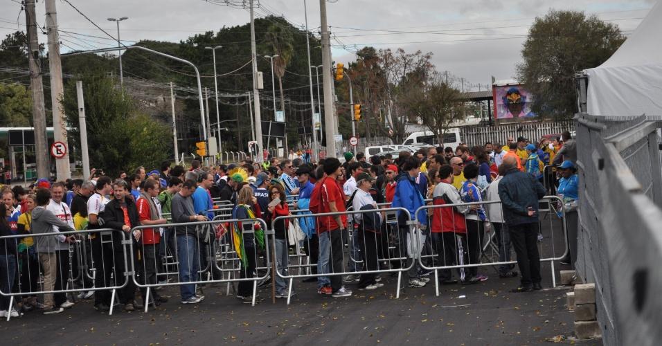 As catracas de entrada eram coordenadas por seguranças contratados pela Fifa