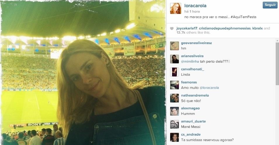 Atriz Carolina Dieckmann marca presença no duelo entre Argentina e Bósnia no Maracanã