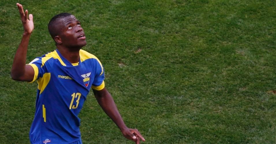 Enner Valencia comemora gol marcado para o Equador, contra a Suíça, no Mané Garrincha