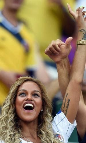 Fanny Neguesha exibe homenagem no braço feita para o noivo, Balotelli.