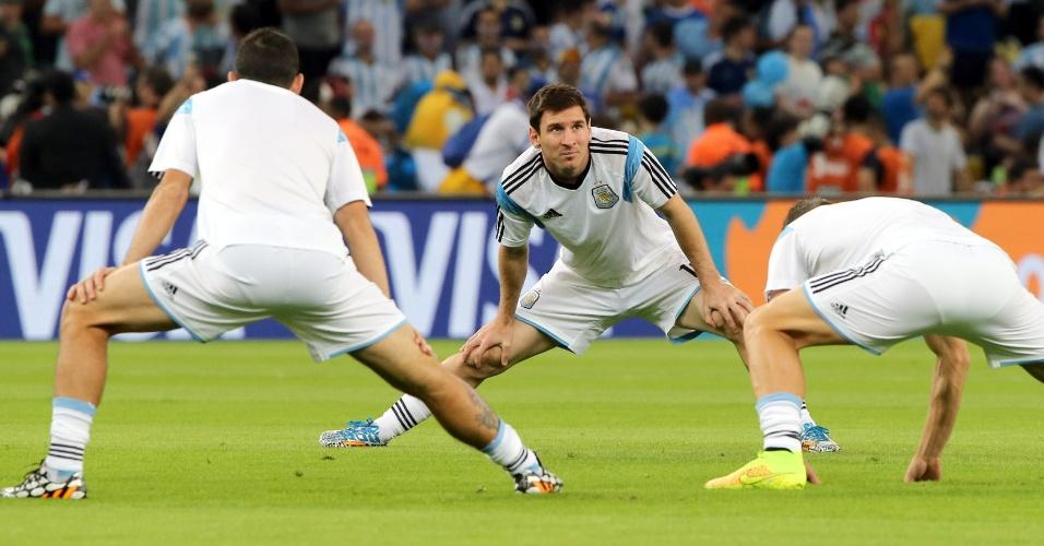 Messi faz aquecimento no gramado do Maracanã antes da partida entre Argentina e Bósnia-Herzegóvina