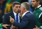 """Técnico hondurenho se diz confuso com câmera de gol: """"não sei o que seguir"""" - Quinn Rooney/Getty Images"""