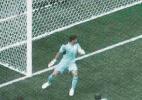 """Goleiro de Honduras contesta tecnologia em gol da França: """"Não entrou"""" - Damir Sagolj/Reuters"""