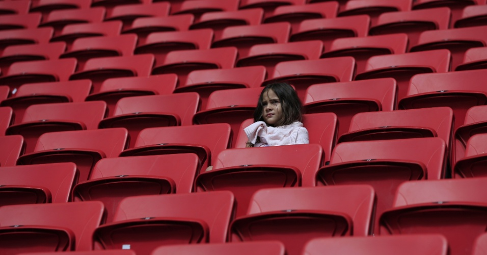 Torcedores começam a entrar no estádio Mané Garrincha para o jogo entre Suíça e Equador