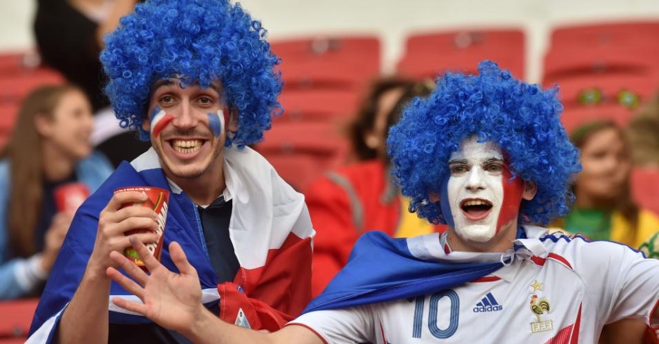 Torcedores da França já dentro do estádio Beira-Rio para o jogo contra Honduras