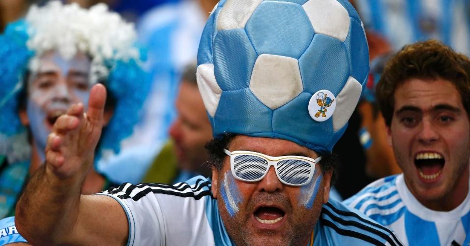 15.jun.2014 - Torcedor argentino mostra que está com sua seleção na cabeça contra a Bósnia