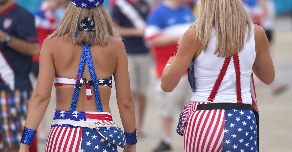 16.jun.2014 - A torcida americana comparece uniformizada dos pés à cabeça em Natal para o jogo contra Gana