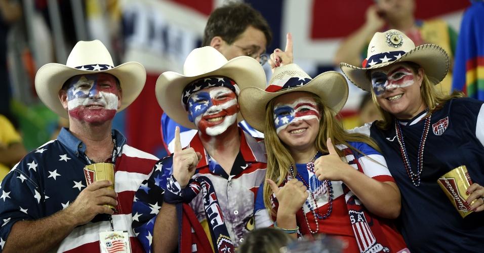 16.jun.2014 - Ao melhor estilo cowboy, estes torcedores estavam confiantes na vitória dos Estados Unidos em Natal