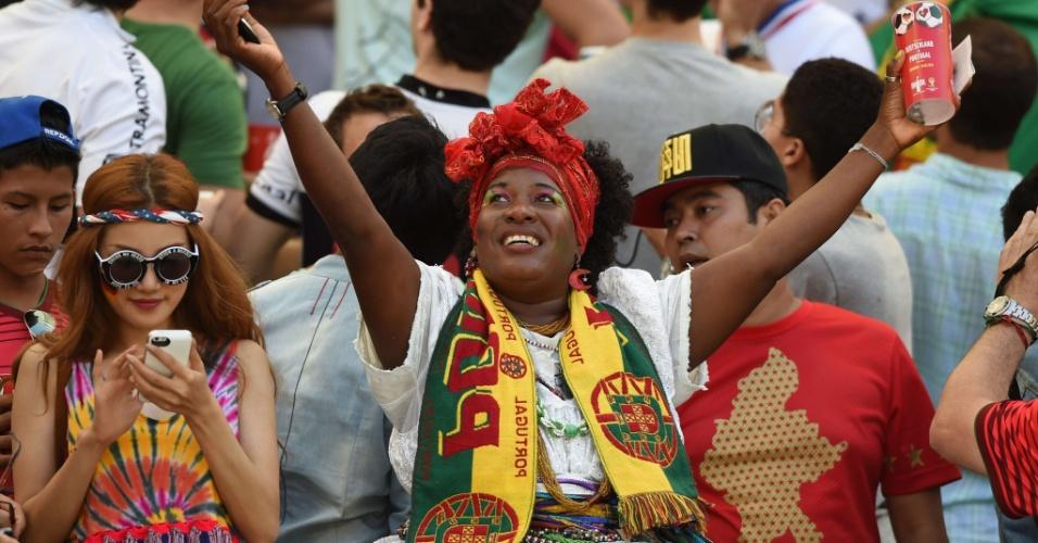16.jun.2014 - Torcida por Portugal era grande na Fonte Nova, mas não adiantou: 4 a 0 para a Alemanha