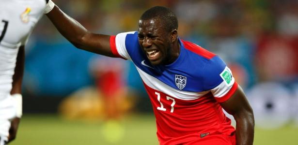 Jozy Altidore sente lesão ainda na primeira etapa do jogo contra Gana, pela estreia norte-americana na Copa