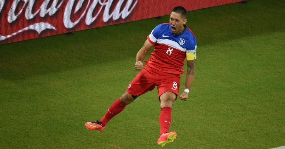 16.jun.2014 - EUA abre o placar contra Gana com menos de um minuto de jogo e Dempsey
