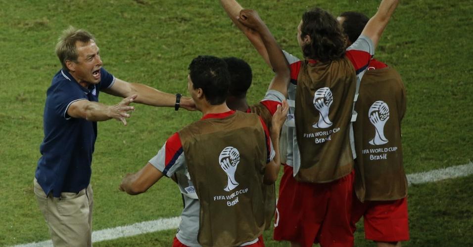 16.jun.2014 - Klinsmann não esconde a alegria na vitória dos EUA sobre Gana por 2 a 1, com um gol aos 41min do segundo tempo