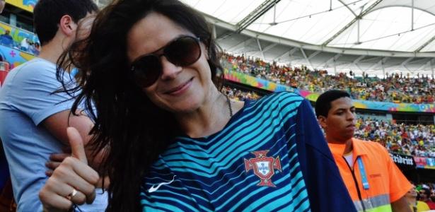 Lorena Valero, a torcedora sortuda que pegou a camisa de Cristiano Ronaldo