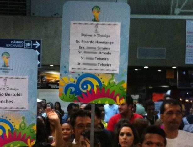 Voluntária da Copa do Mundo aguarda chegada de filho de Ricardo Teixeira