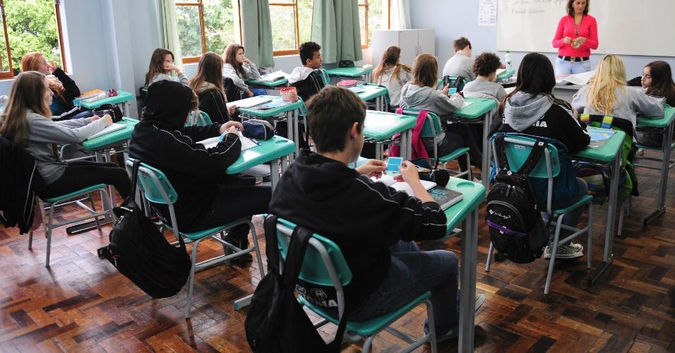 Adolescentes de Teutônia têm a oportunidade de estudar o idioma alemão. Muitos deles participam de intercâmbios na Europa