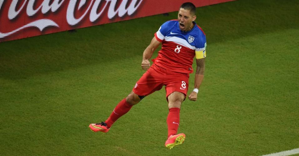 16.jun.2014 - Dempsey salta para comemorar gol dos Estados Unidos sobre Gana