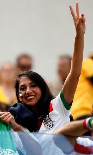 16.jun.2014 - Irã também levou torcida para o estádio na estreia contra a Nigéria