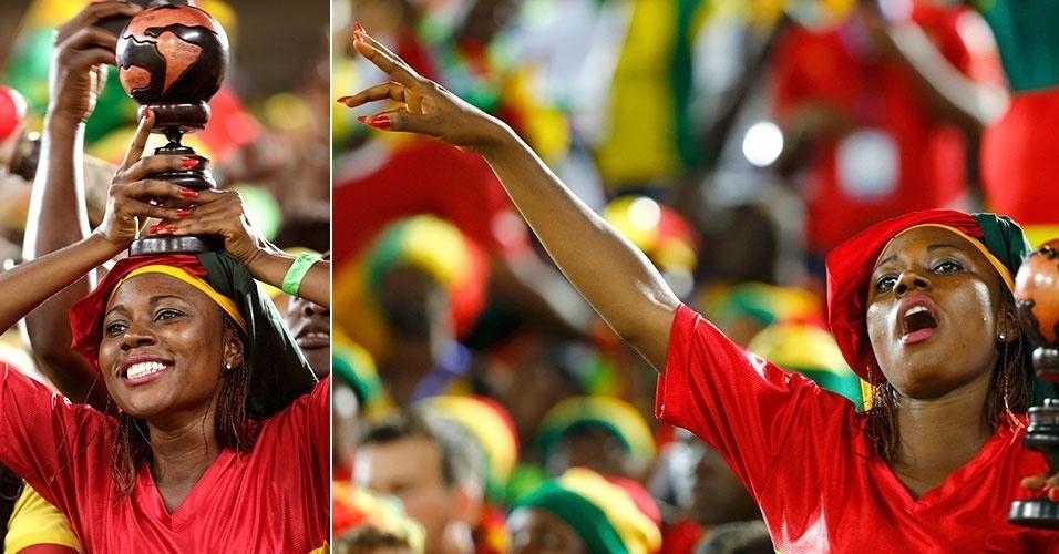 16.jun.2014 - Torcedora de Gana faz festa para a estreia contra os Estados Unidos