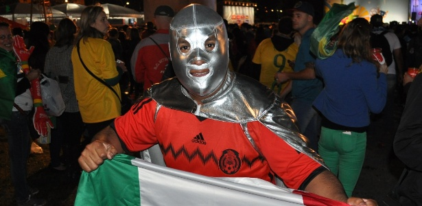 Vicente Ochoa procura parentesco com goleiro do México, que parou o Brasil nesta terça-feira