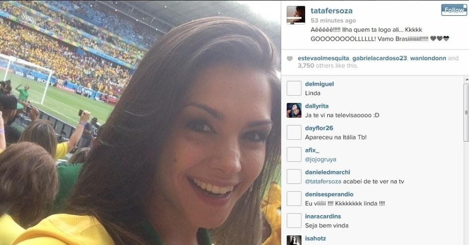 A atriz Thais Fersoza acompanha o duelo entre Brasil e México do Castelão